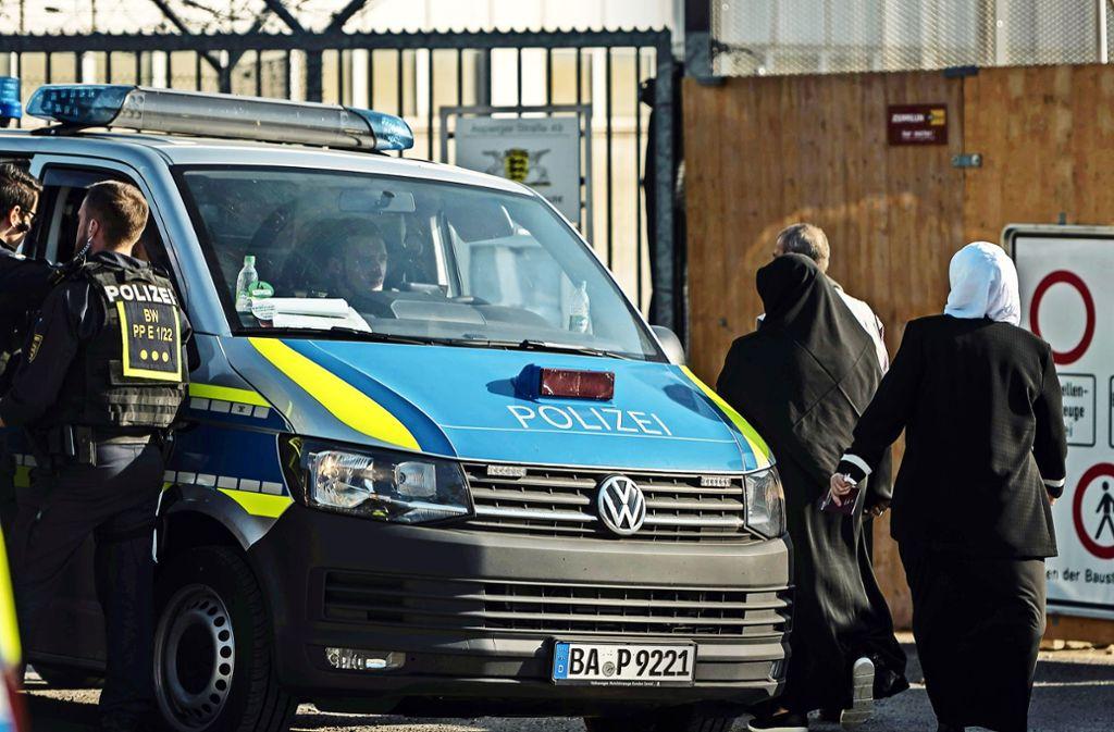 Die Polizei sichert den Osmanen-Prozess mit einem großen Aufgebot ab. Foto: Kovalenko