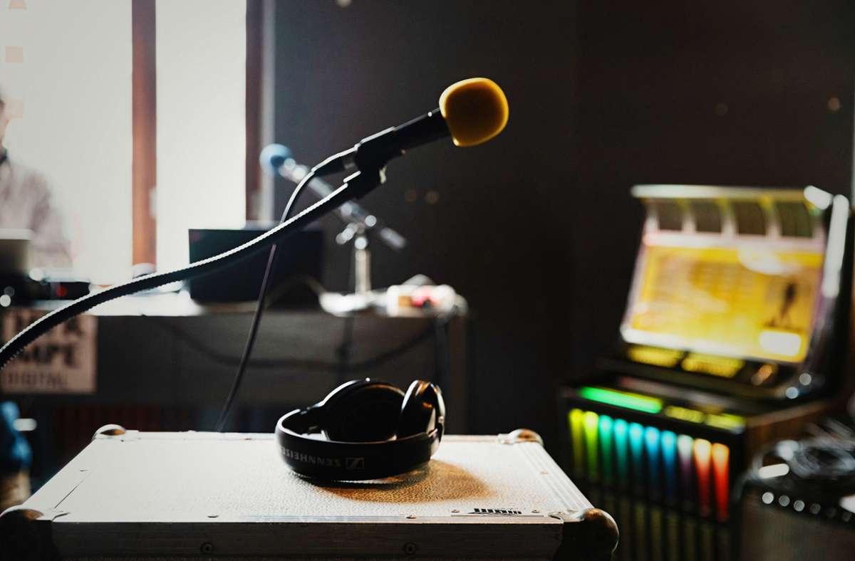 Mikrofon statt Jukebox: das derzeitige Barleben der Rampe. Foto: Dominique Brewing