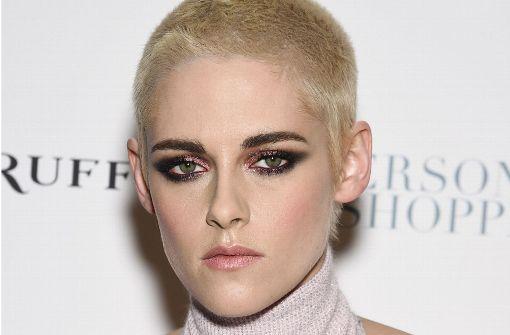 Kristen Stewart überrascht mit raspelkurzen Haaren