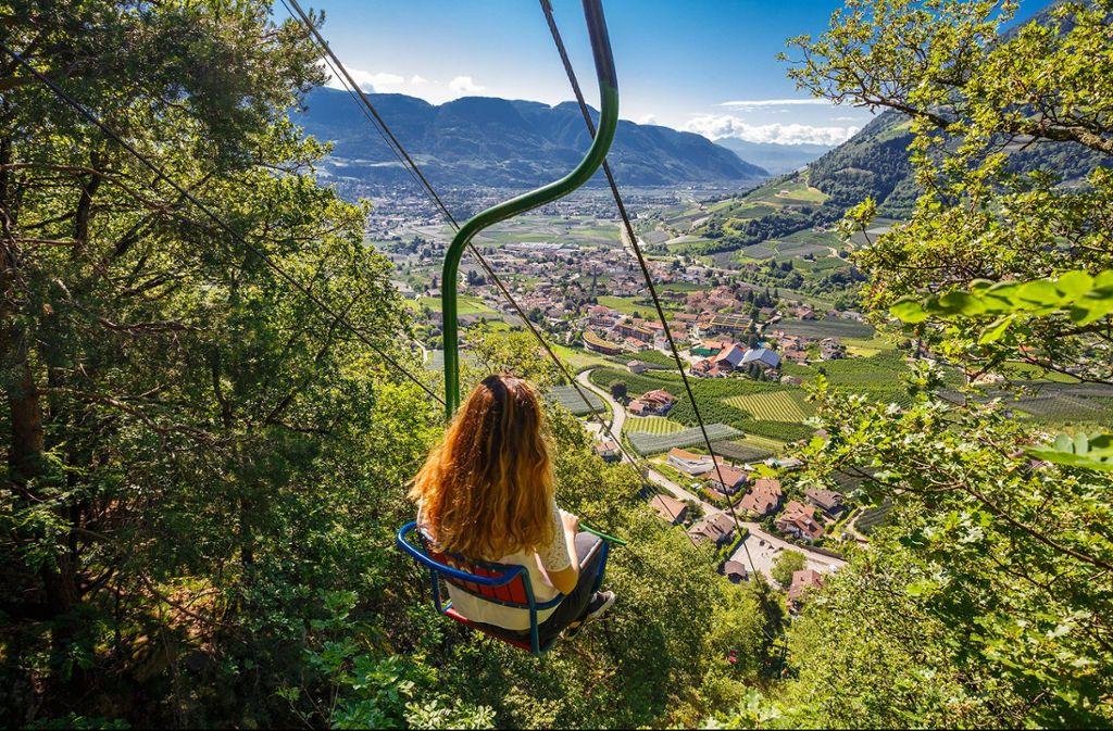Korb- oder Sessellift fahren: Ein Höhen-Ausflug der sich lohnt. Foto: TV Algund/Christian Gufler