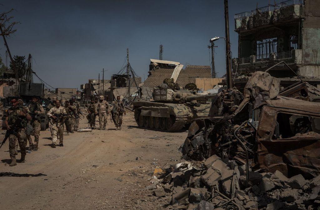 Ein Bild der Zerstörung bietet sich den Soldaten in Mossul. Foto: dpa