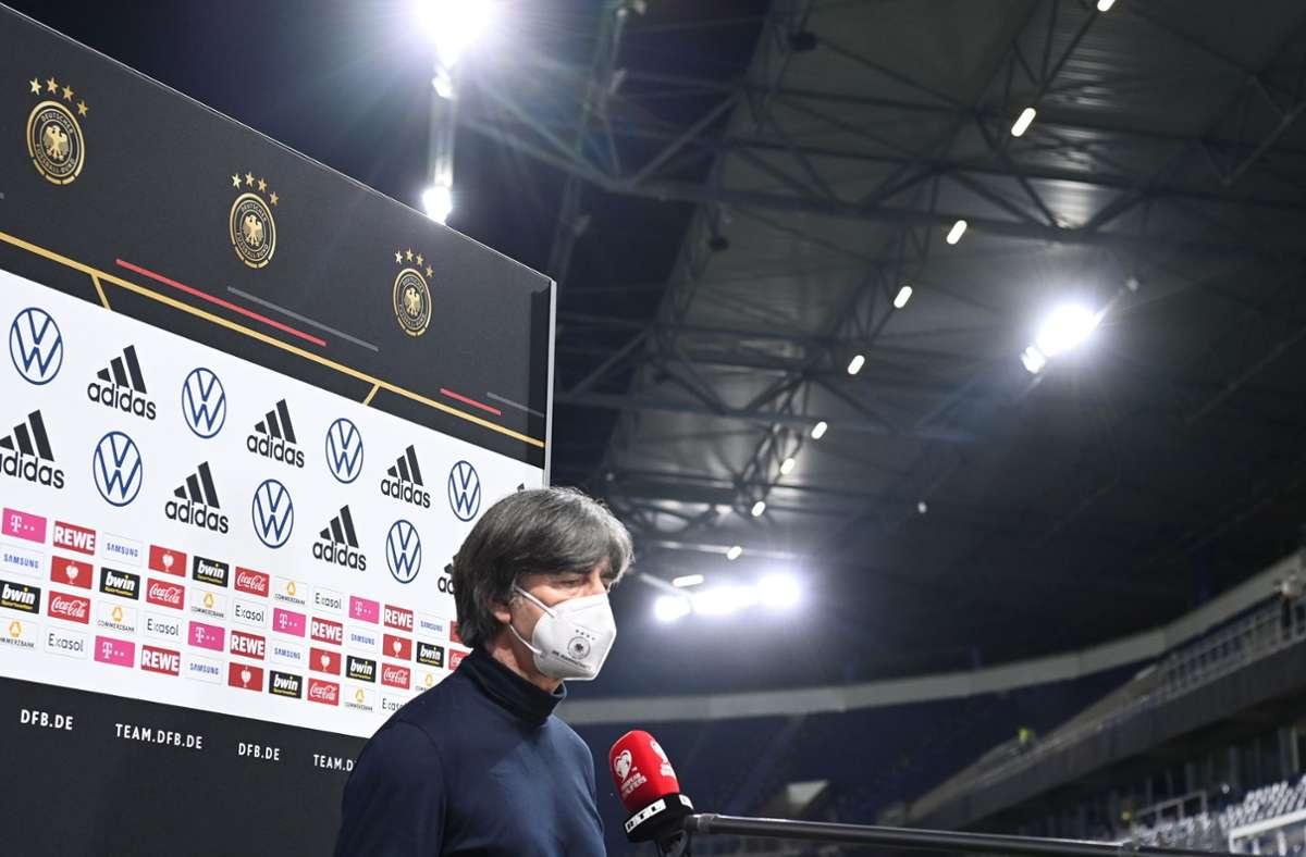 Enttäuschung pur: Joachim Löw war nach der Niederlage der DFB-Elf nicht nach Lachen zumute. Foto: dpa/Federico Gambarini