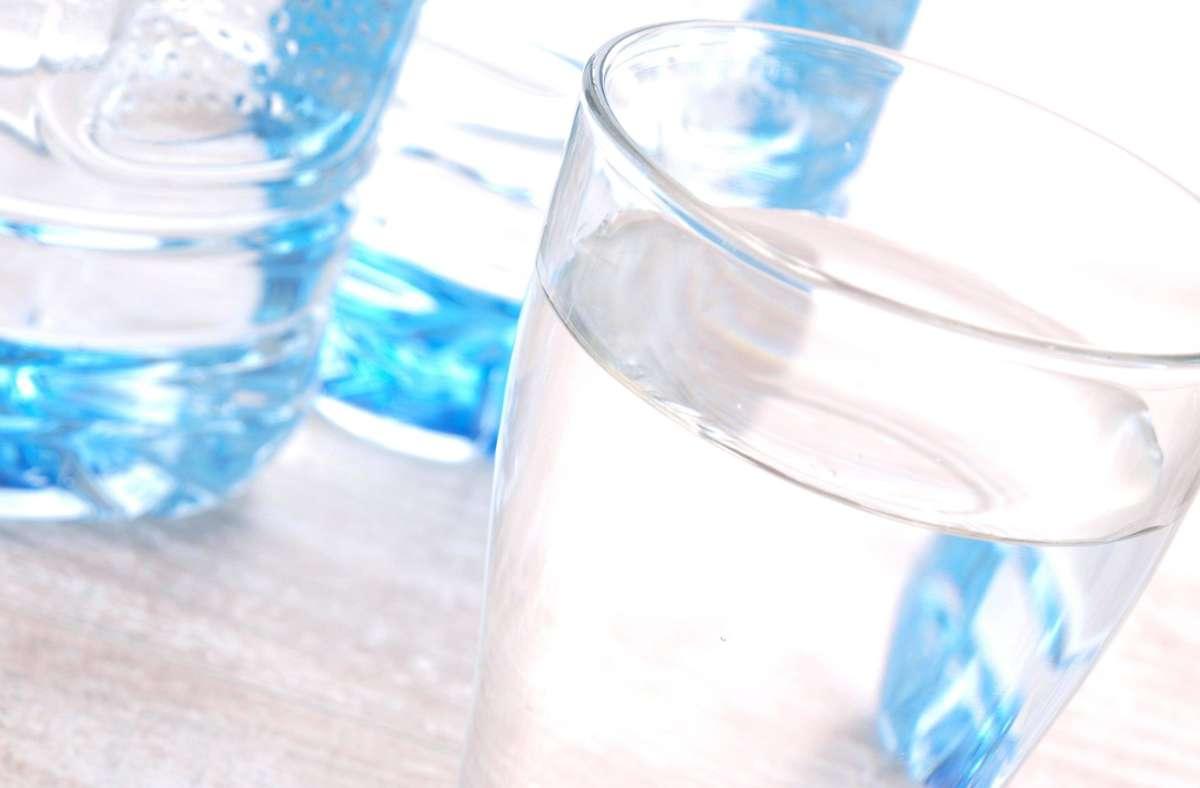 32 stille Mineralwässer wurden getestet. (Symbolfoto) Foto: imago images / Panthermedia/b.Arte