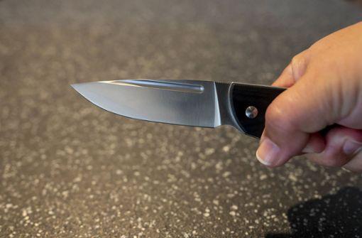 Sohn verletzt Mutter mit Messer schwer