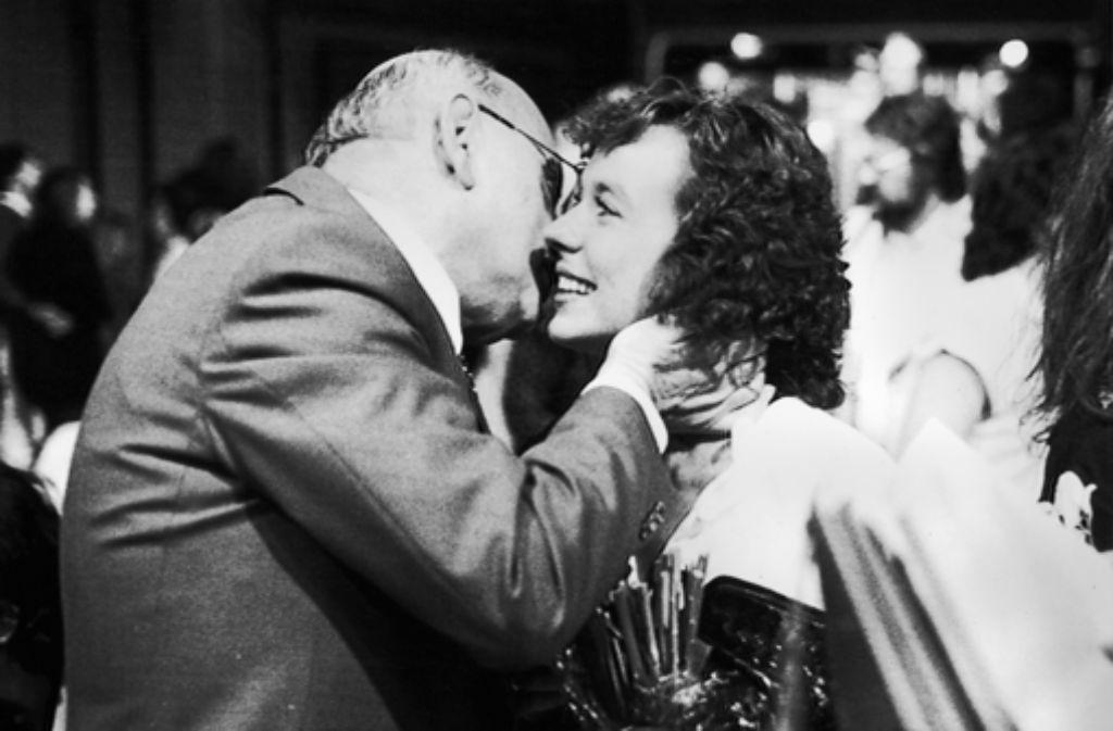 Das waren noch Zeiten: Marcel Reich-Ranicki küsst die Bachmannpreis Foto: dpa
