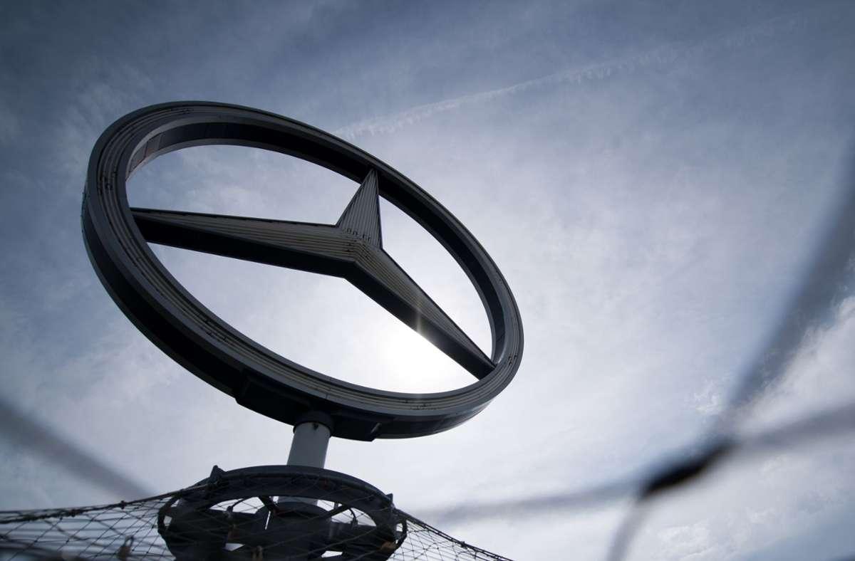 Autobauer Daimler beschäftigt auch Elektroingenieure und Software-Experten. (Archivbild) Foto: dpa/Sebastian Gollnow