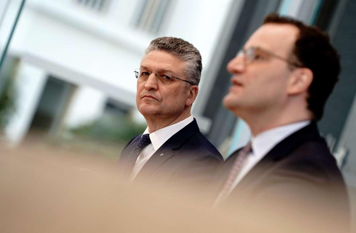 RKI-Präsident  Lothar Wieler (l.) und Bundesgesundheitsminister Jens Spahn. (Archivbild) Foto: dpa/Kay Nietfeld