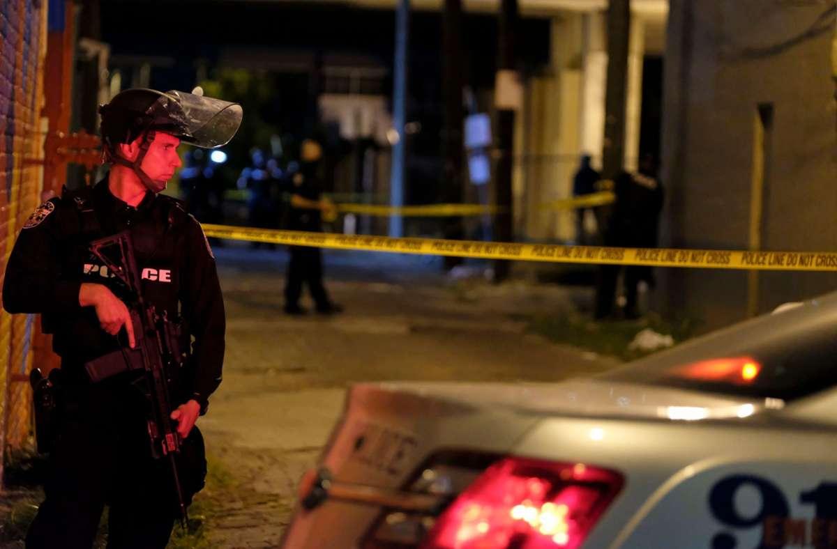 Nach den Schüssen auf zwei Polizisten in den USA wurde ein Verdächtiger festgenommen. Foto: AFP/JEFF DEAN