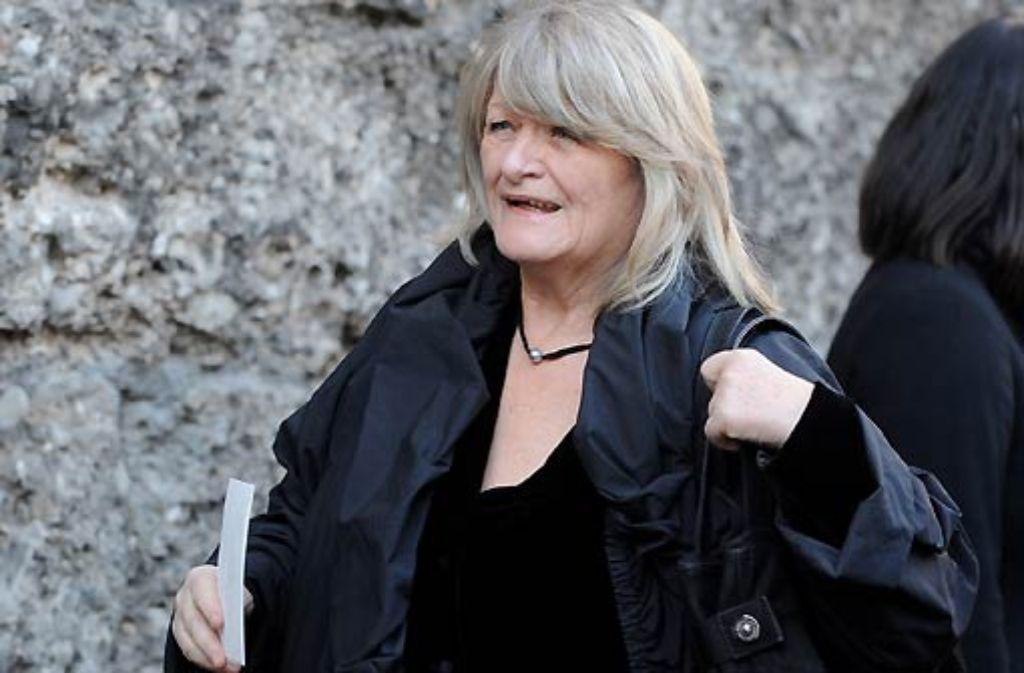 Wird als Zeugin angehört: Die Frauenrechtlerin Alice Schwarzer. Foto: dapd