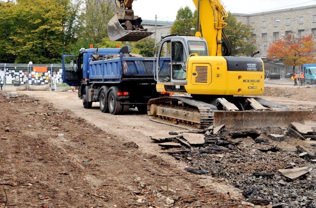 Erdaushub wie von der Stuttgart21-Baustelle wird auf Erddeponien gebracht. Foto: dpa