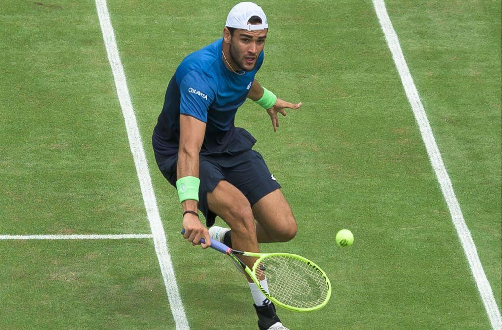 Matteo Berrettini macht nicht nur auf dem Tenniscourt eine gute Figur. Auch auf dem Laufsteg und vor der Kamera führt sich der Italiener offensichtlich wohl. Foto: picture alliance/dpa
