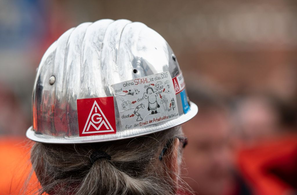 In der Metall- und Elektroindustrie haben Unternehmen und Arbeitnehmervertreter sich auf einen Krisen-Tarifvertrag geeinigt. (Symbolbild) Foto: dpa/Bernd Thissen