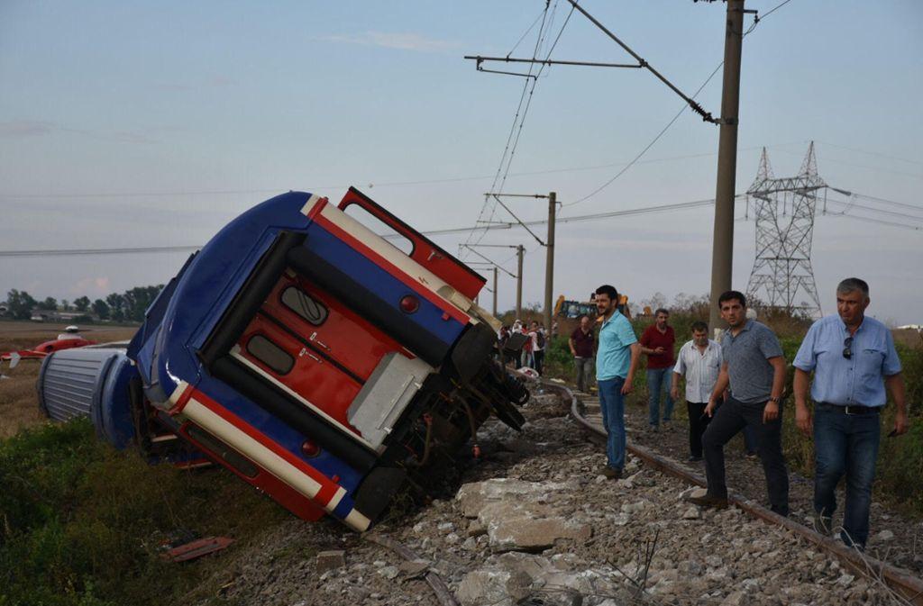 Fünf Waggons sind bei dem Unglück entgleist. Foto: XinHua