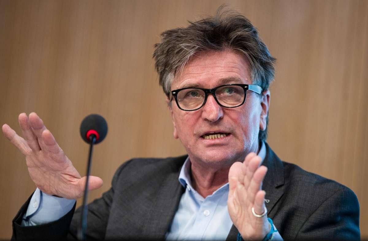 Baden-Württembergs Gesundheitsminister Manne Lucha (Grüne). (Archivbild) Foto: dpa/Christoph Schmidt