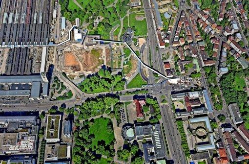 Die Förderanlage führt vom Tunnel (rechts) in den Schlossgarten Foto: Bahnprojekt S-Ulm