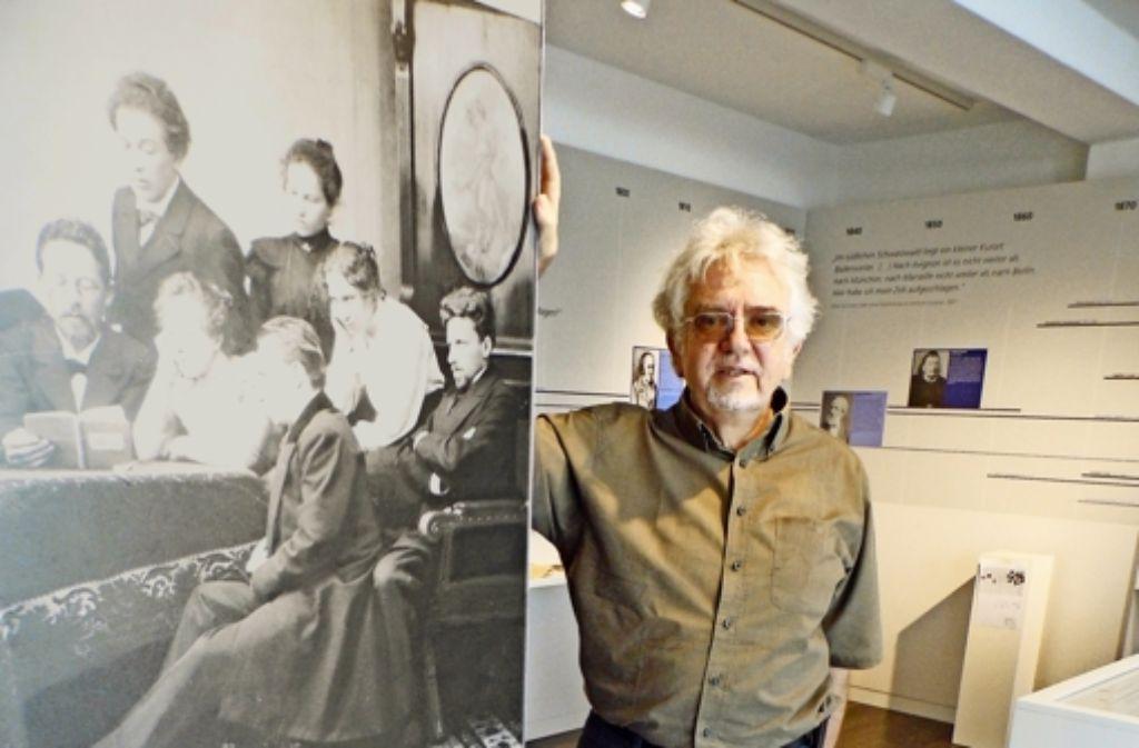 Der Slawist Heinz Setzer ist Leiter des    Museums, er organisiert aber auch Kongresse zu Tschechow in Badenweiler. Foto: Heinz Siebold