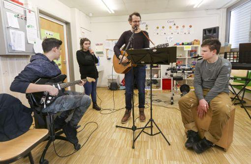 Sindelfinger Schülerband spielt im Club Zentral in Stuttgart