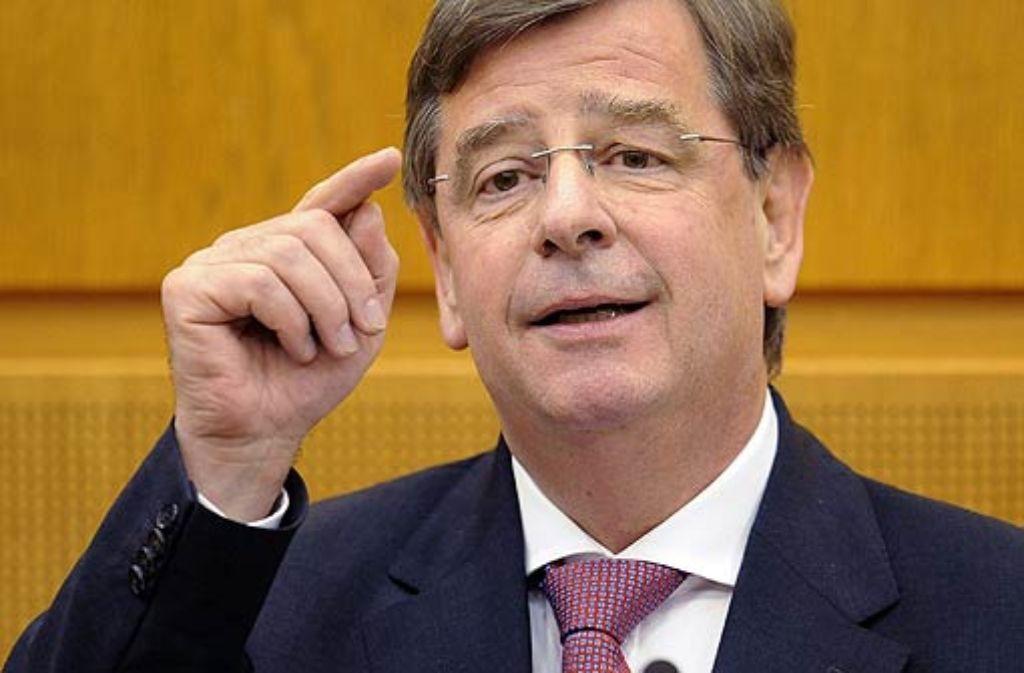 Noch-Finanzminister Stächele (CDU) nennt die Attacke aus Bayern stillos. Foto: dpa
