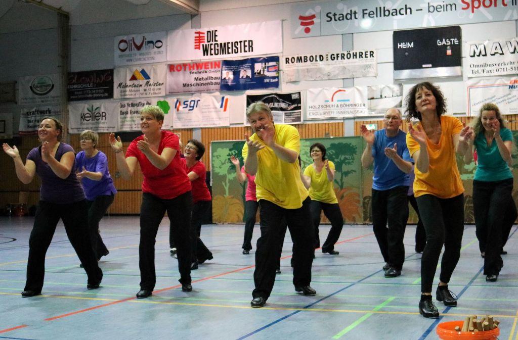 Volles Engagement in der Oeffinger Sporthalle beim Abschluss des Workhops. Foto: Eva Herschmann