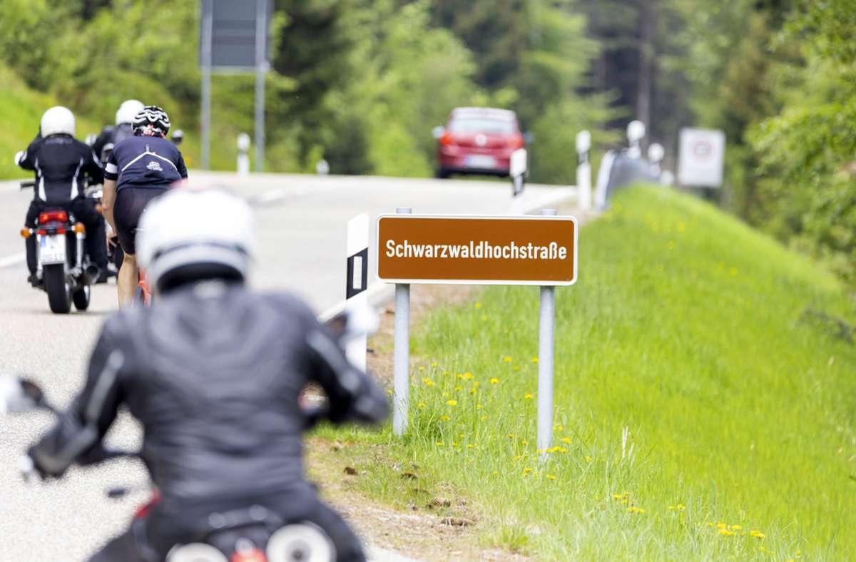 Der Schwarzwald bietet zahlreiche schöne Strecken für Biker – zum Leidwesen der Anwohner. Foto: imago images/Arnulf Hettrich/Arnulf Hettrich via www.imago-images.de