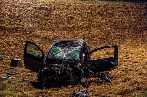 Mit Auto überschlagen und schwer verletzt