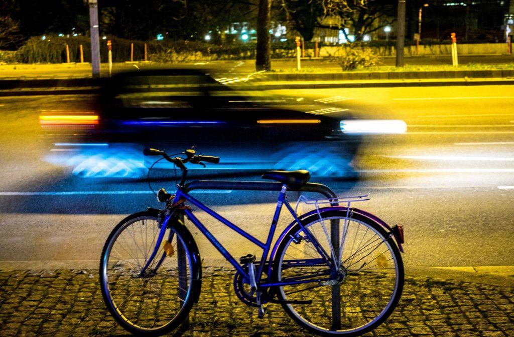 Während einer Polizeikontrolle wurde ein 20-jähriger Radfahrer sehr müde (Symbolbild). Foto: Lichtgut/Max Kovalenko