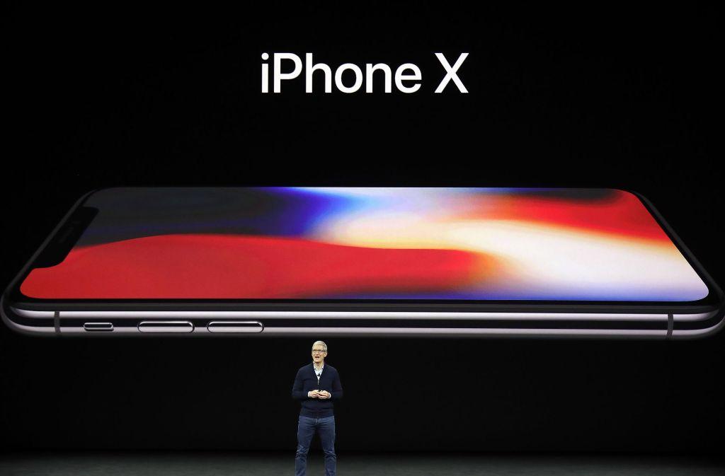 Apple-Chef Tim Cook hat am Dienstagabend das iPhone X vorgestellt. Foto: AP