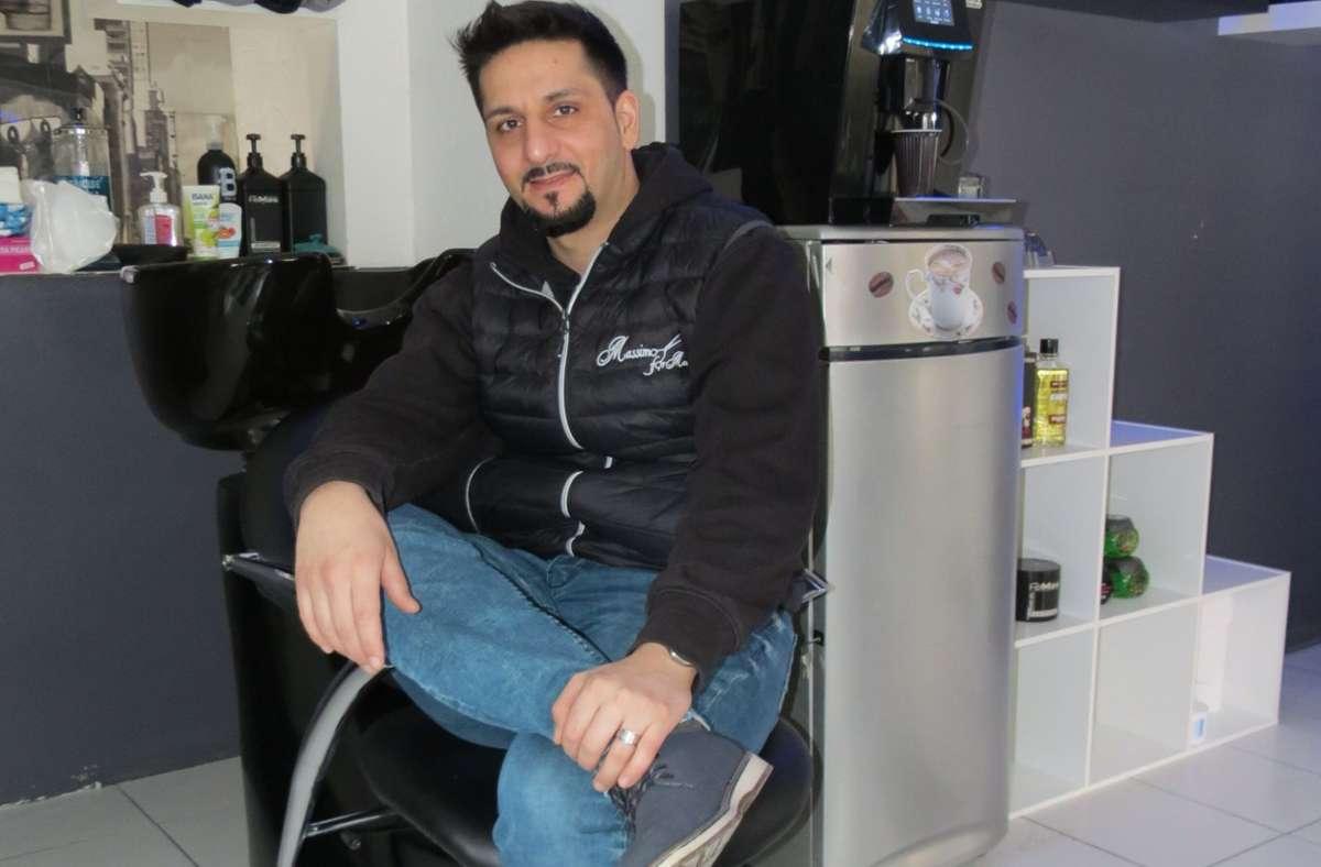 "Massimiliano Pignanelli betreibt ""Massimo for men"" in Zuffenhausen. Foto: Bernd Zeyer"