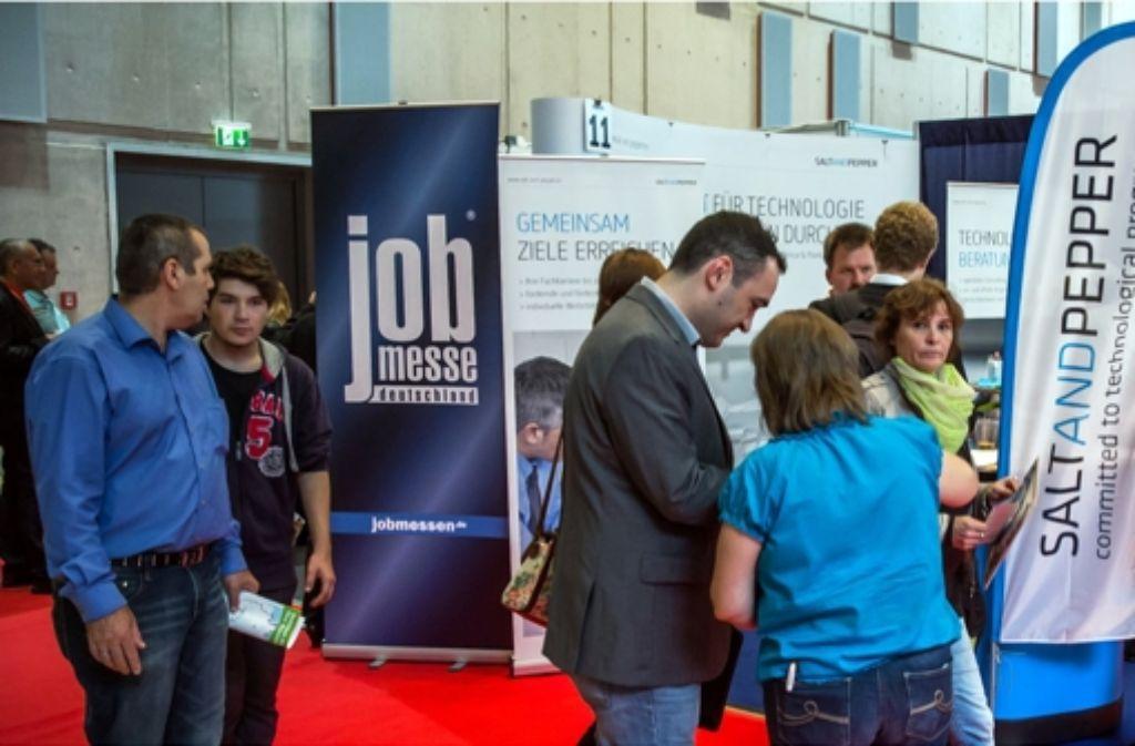 Auf der erstmals veranstalteten Jobmesse herrschte reges Treiben. Foto: Achim Zweygarth