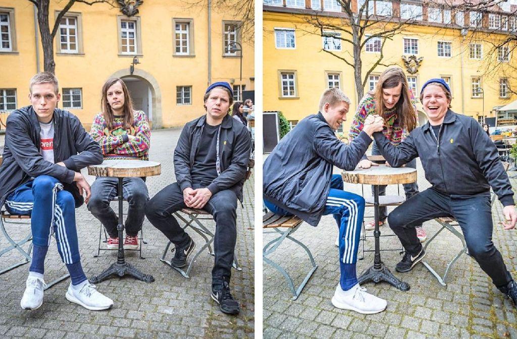 Original und Fälschung: Max Rieger, Kevin Kuhn und Julian Knoth (von links) im Stuttgarter Öko-Café ihrer Wahl Foto: Lichtgut/Julian Rettig