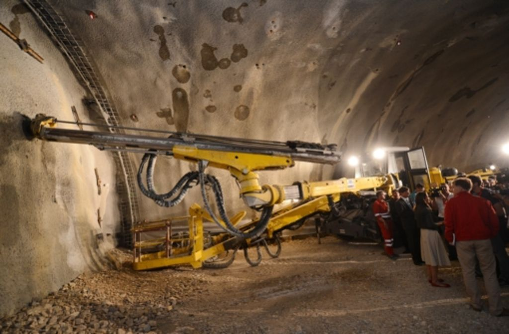 Im Juli vergangenen Jahres war  Anstich beim Steinbühltunnel, die Tausendmetermarke ist vor drei Wochen überschritten worden. Foto: dpa
