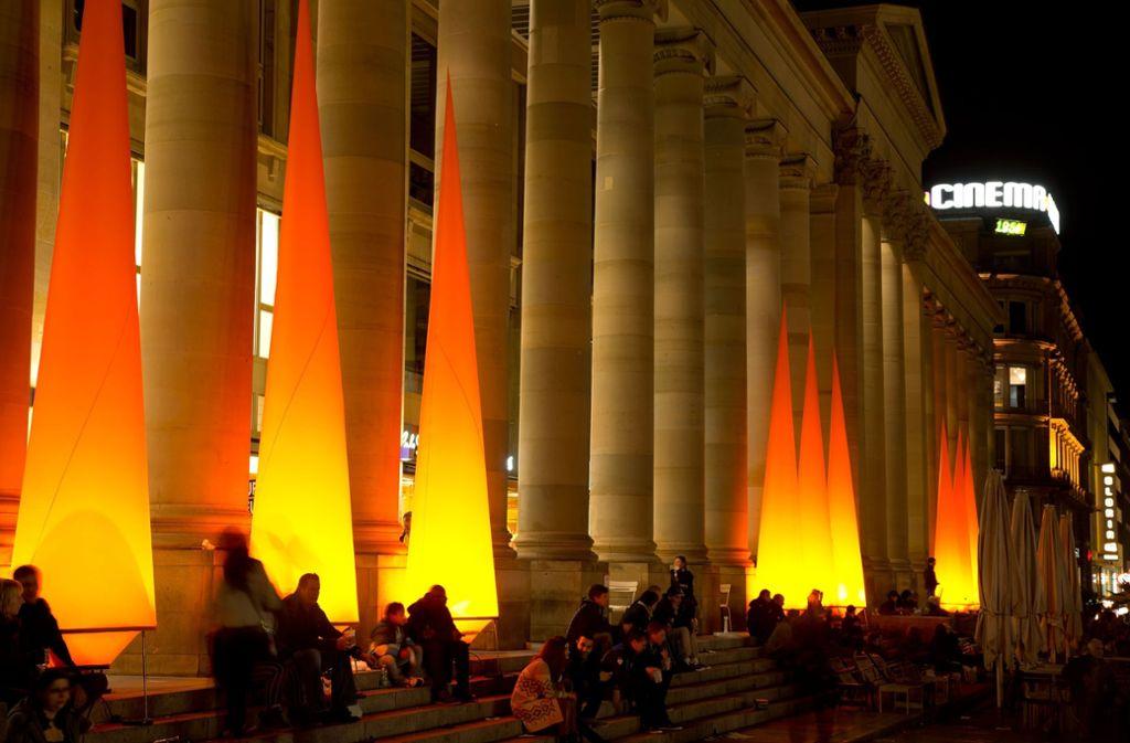 Illuminierter Königsbau: An diesem Samstag leuchtet die City wieder. Foto: Thomas Niedermueller