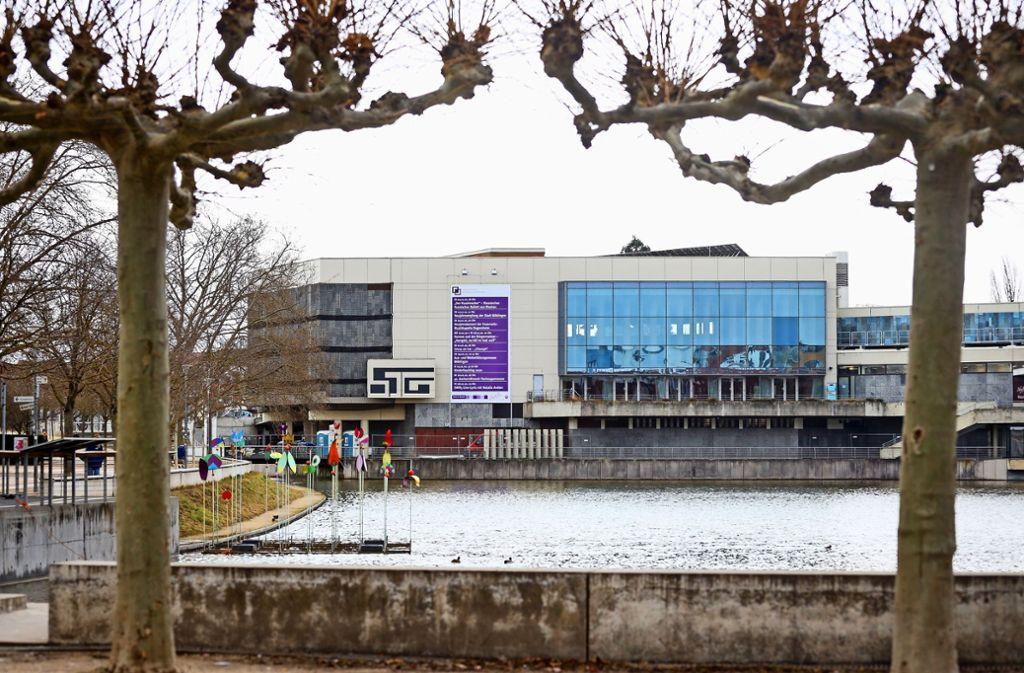 """Trübe Aussichten in Böblingen: Als der Gemeinderat jüngst in der Kongresshalle tagte, lautete die Botschaft bei den Finanzen:  """"Land unter"""". Foto: factum/Simon Granville"""