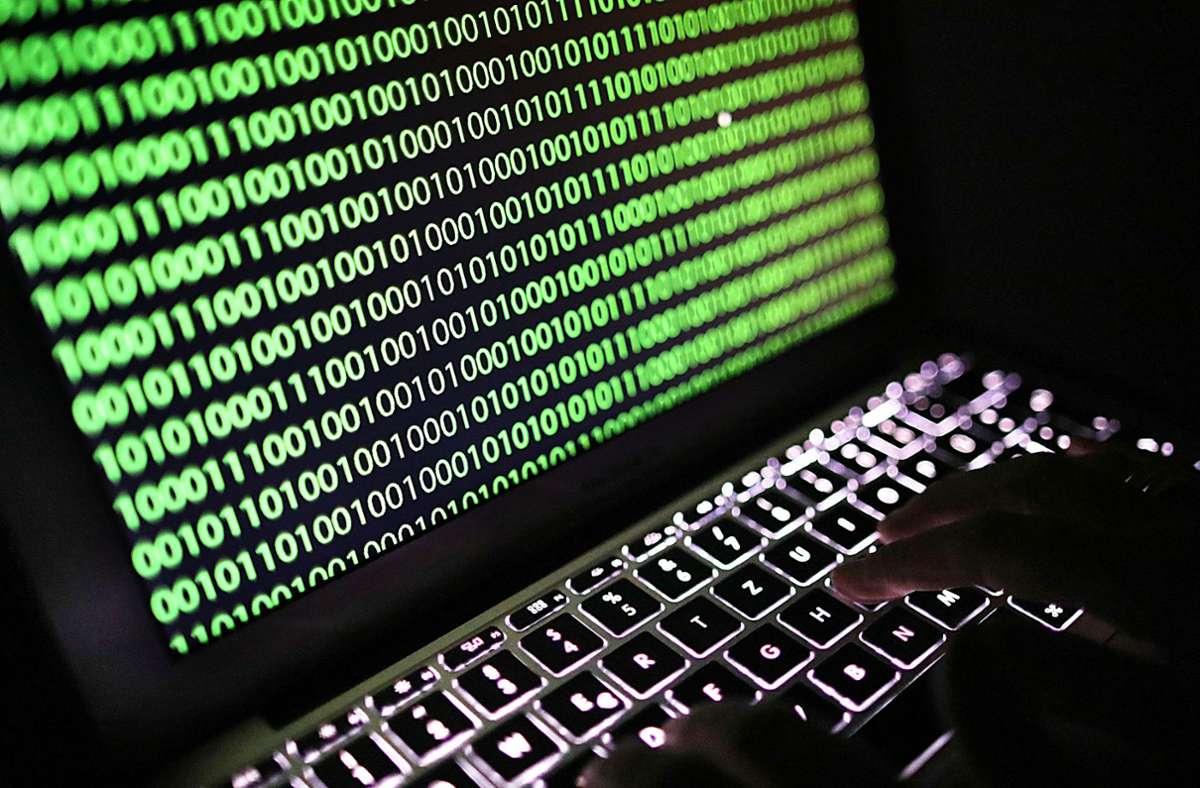 Bei einem der größten erpresserischen Hackerangriffe waren seit Freitagnachmittag weltweit möglicherweise Tausende Firmen lahmgelegt worden. (Symbolbild) Foto: picture alliance/dpa/Oliver Berg