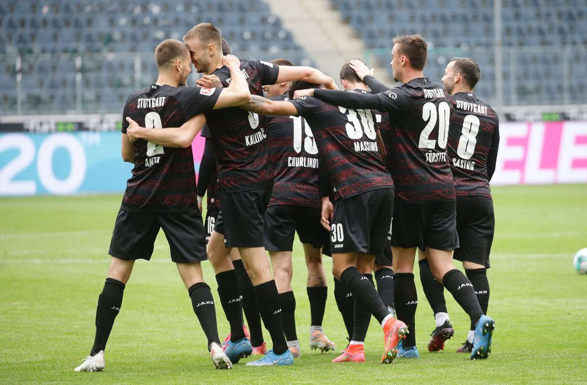 Der VfB dreht das Spiel in Gladbach und freut sich über den nächsten Dreier. Foto: Pressefoto Baumann/Hansjürgen Britsch