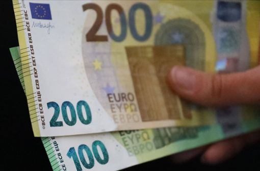 Mann versucht Strafbefehl mit Falschgeld zu bezahlen