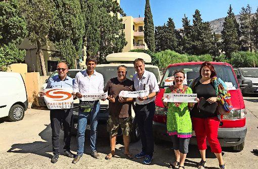 Zwei Schulbusse für Flüchtlinge im Libanon