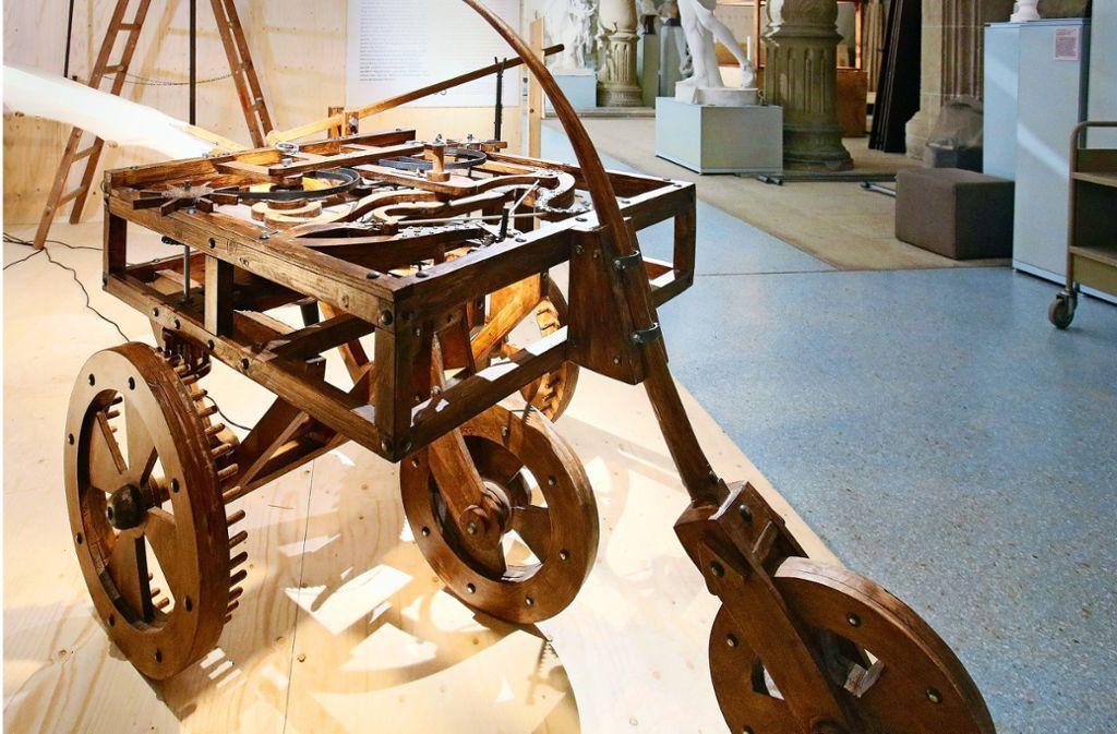 Seiner Zeit voraus: ein Holzautomobil mit Federmechanismus Foto: Horst