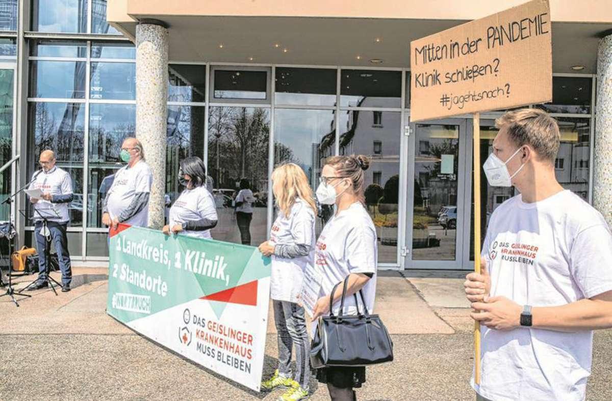 Stein des Anstoßes: in Geislingen gab es immer wieder Protest gegen die Schließung der Helfenstein-Klinik – am Ende ohne Erfolg. Foto: Staufenpress/Archiv