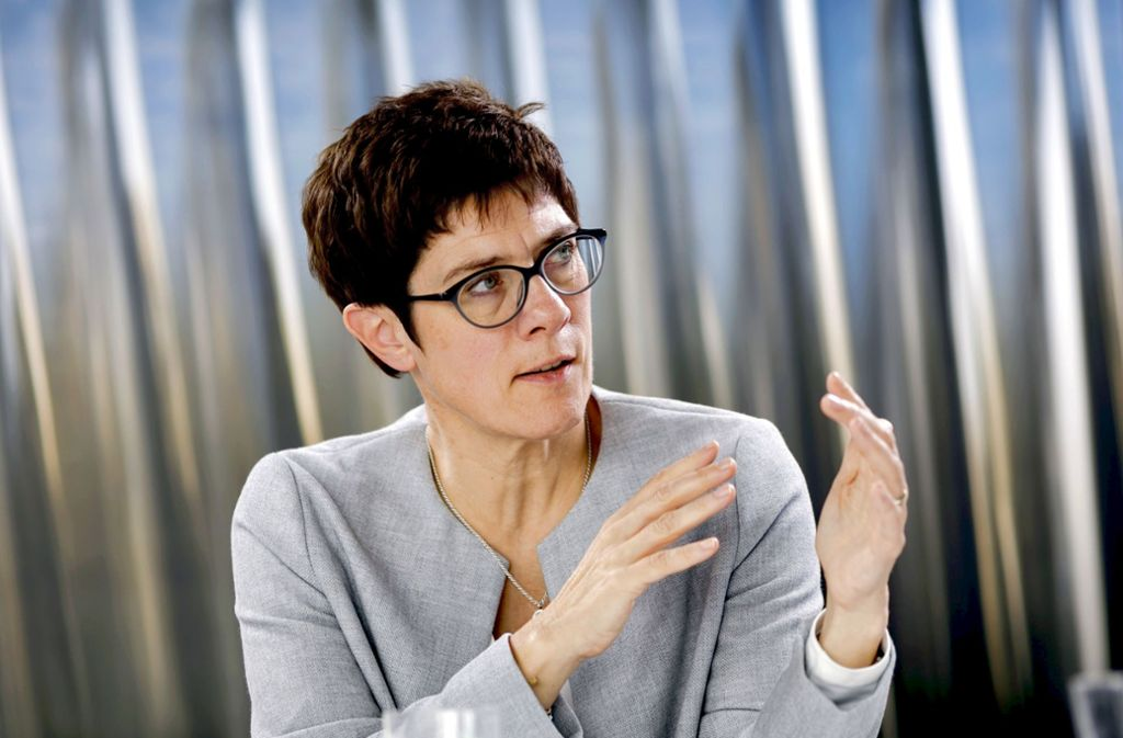 AKK ist derzeit viel unterwegs: als Wahlkämpferin. Foto: photothek/Thomas Koehler
