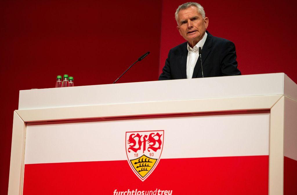 """Laut Wolfgang Dietrich müsse es der Anspruch aller Mitglieder sein, dass der VfB Stuttgart """"in drei bis vier Jahren wieder unter den Top 6 der Bundesliga mitspielen"""" werde. Foto: dpa"""