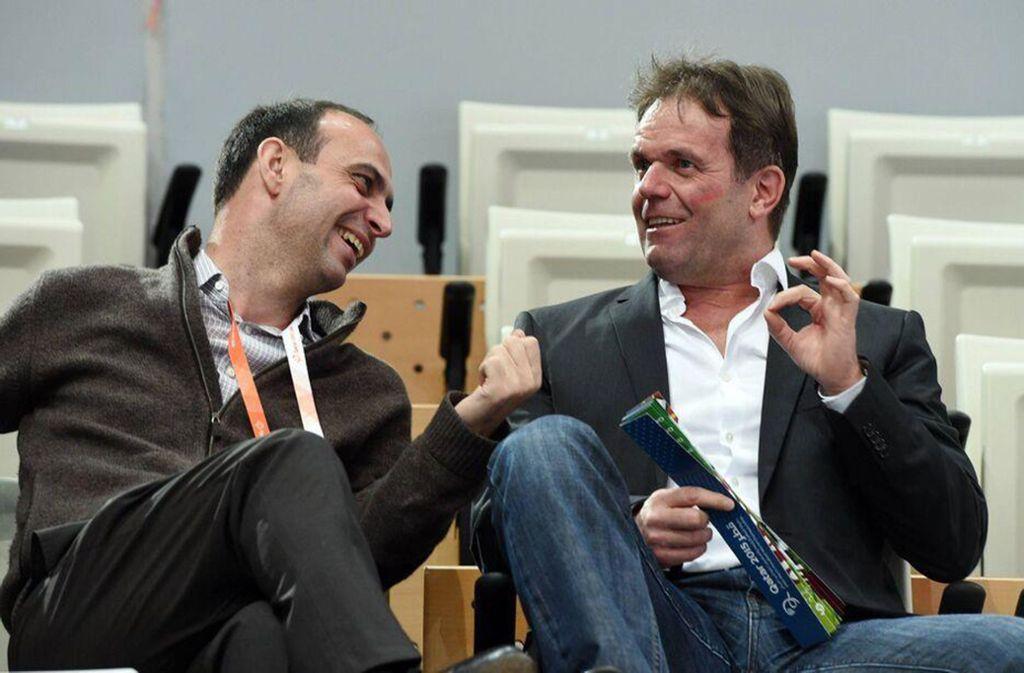 Gerd Hofele (re./neben Bob Hanning): Der  HBL-Vizepräsident und Geschäftsführer von Frisch Auf Göppingen,  will erst auf der Basis von Erkenntnissen mit den Spielern sprechen. Foto: Baumann