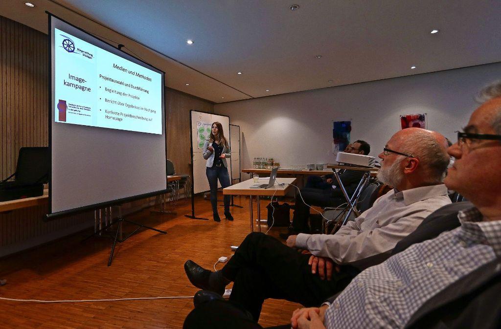 Studenten haben am Freitag Ideen für ein neues Kommunikationskonzept der Ditzinger Bürgerstiftung vorgestellt. Foto: factum/Granville