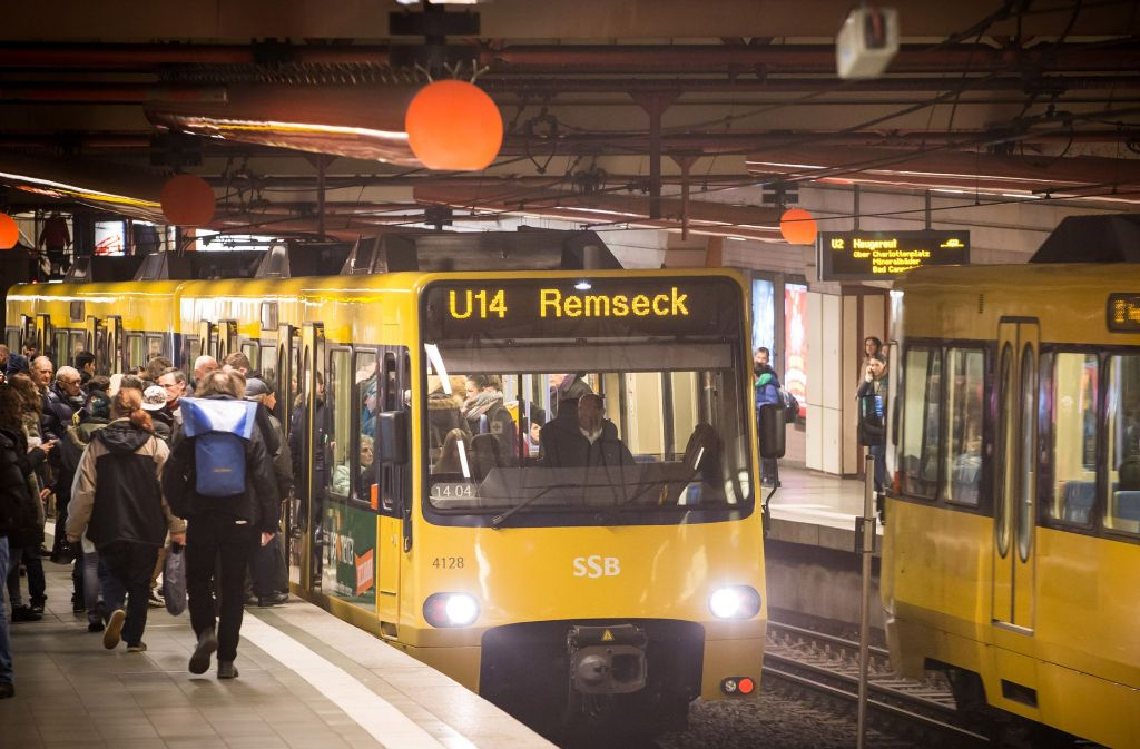 Die Bahnen der U14 werden von Dezember an zwar noch wie hier am Rotebühlplatz halten, aber für mindestens zwei Jahre nicht mehr zur Endhaltestelle Heslach/Vogelrain fahren. Foto: Lichtgut/Achim Zweygarth
