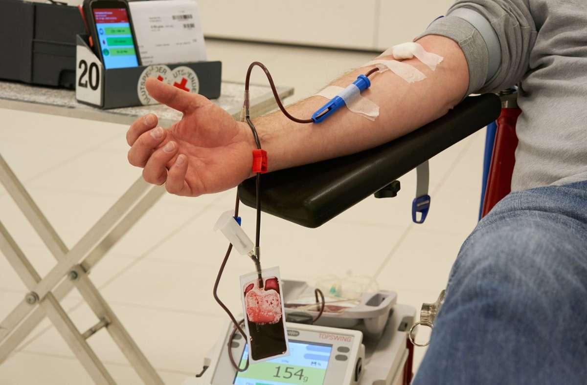 In einigen Regionen werden dringend Blutspenden gebraucht. (Symbolfoto) Foto: dpa/Thomas Frey