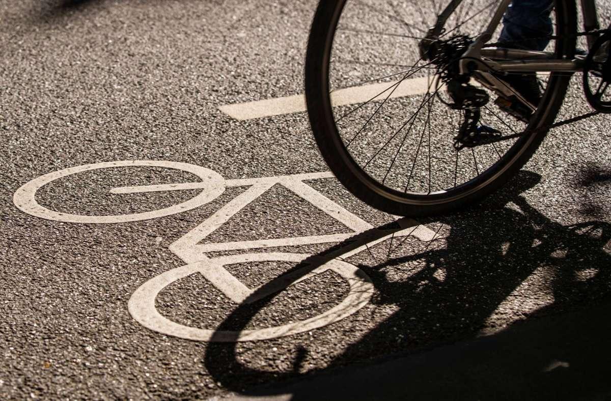 Bevor die Fahrraddiebin fliehen konnte, griff die 85-Jährige ein. (Symbolbild) Foto: imago images/Hoch Zwei Stock/Angerer