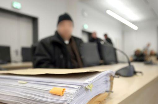 Richter wegen Hunderter unbearbeiteter Verkehrssünden vor Gericht
