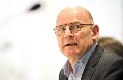 Hermann plant unangekündigte Prüfungen