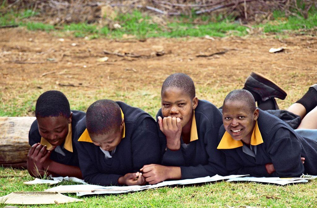 Seit 30 Jahren unterstützt das Team des Eine-Welt-Ladens Weil der Stadt die Schüler der Pitseng High School in Lesotho. Foto: Dorothea Kohlert