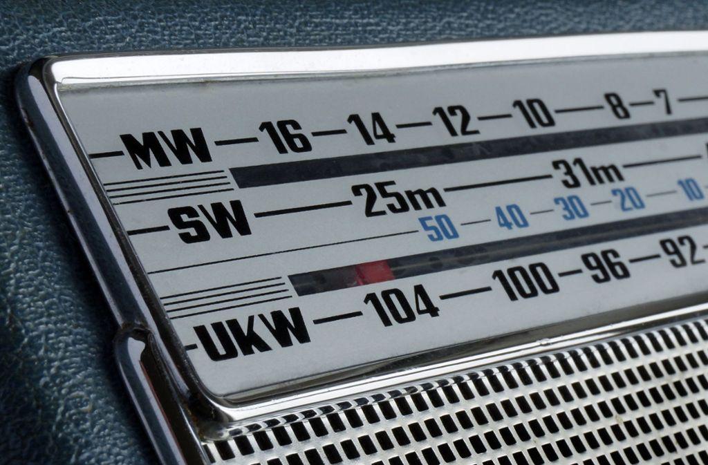 Lange war UKW das populärste Verbreitungsmedium für Radiosender. Das wird sich wohl ändern. Foto: dpa